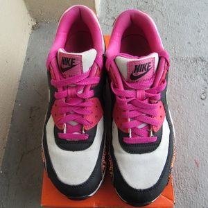 Nike Miami Sneaker